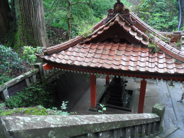 No shrine is complete without a purification well/spring
