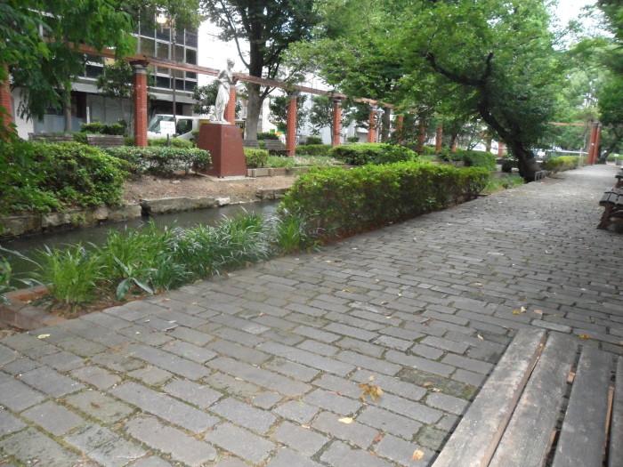 The tiny park I escaped to